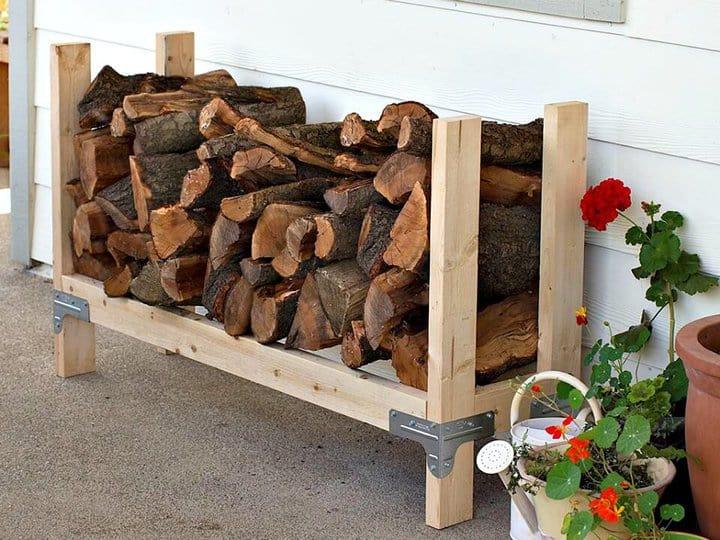 Construya su propio estante de leña: idea de almacenamiento de madera para bricolaje