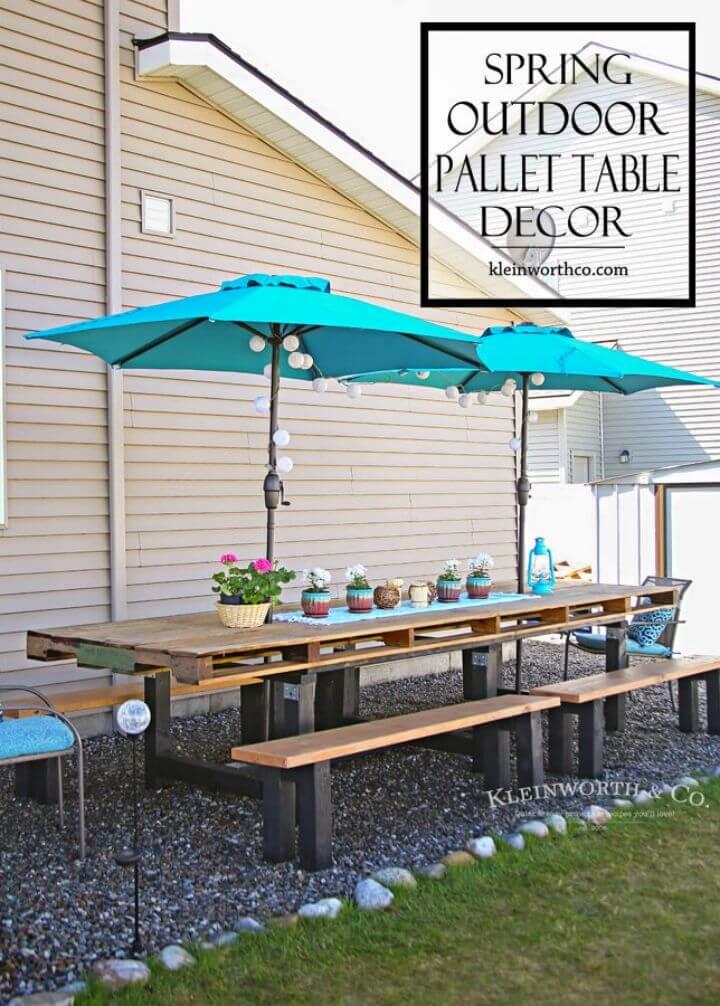 Adorable mesa de comedor al aire libre con paleta de bricolaje