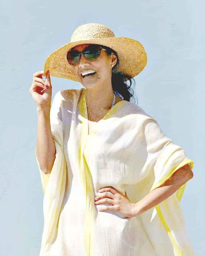 Adorable bufanda de bricolaje para cubrir la playa