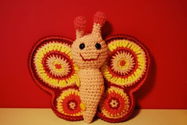 Patrón de ganchillo mariposa amigurumi