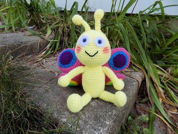 Patrón de ganchillo de juguete de mariposa amigurumi