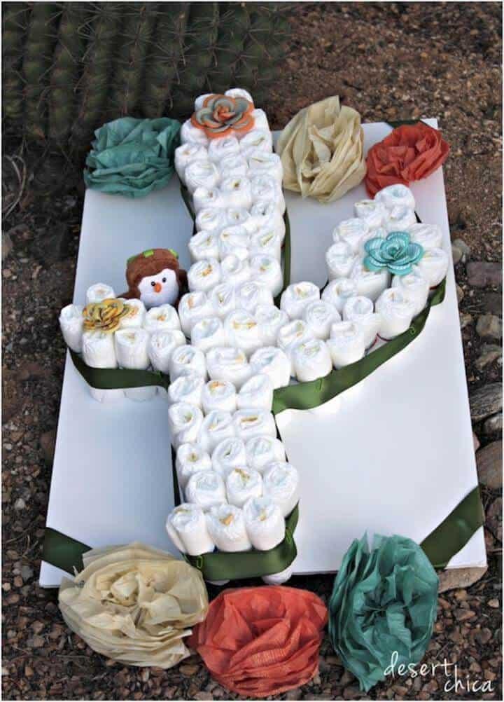 impresionante pastel de pañales de cactus