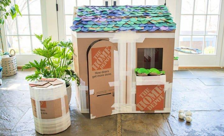 Construyendo una casa de juegos de cartón de lujo