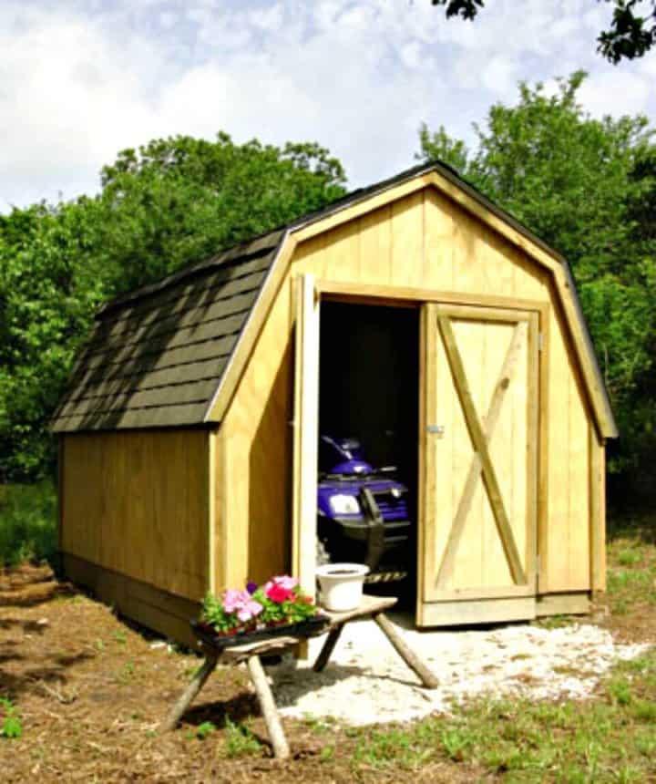 Construyendo un Drive - Thru Backyard Shed