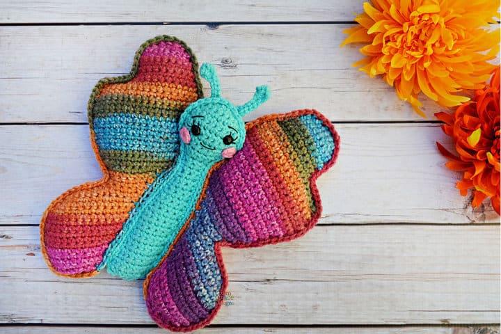 Patrón de ganchillo amigurumi de mariposa