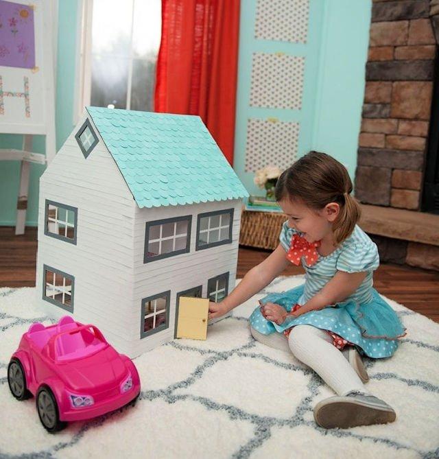 Artesanía de caja de cartón - Casa de muñecas de bricolaje