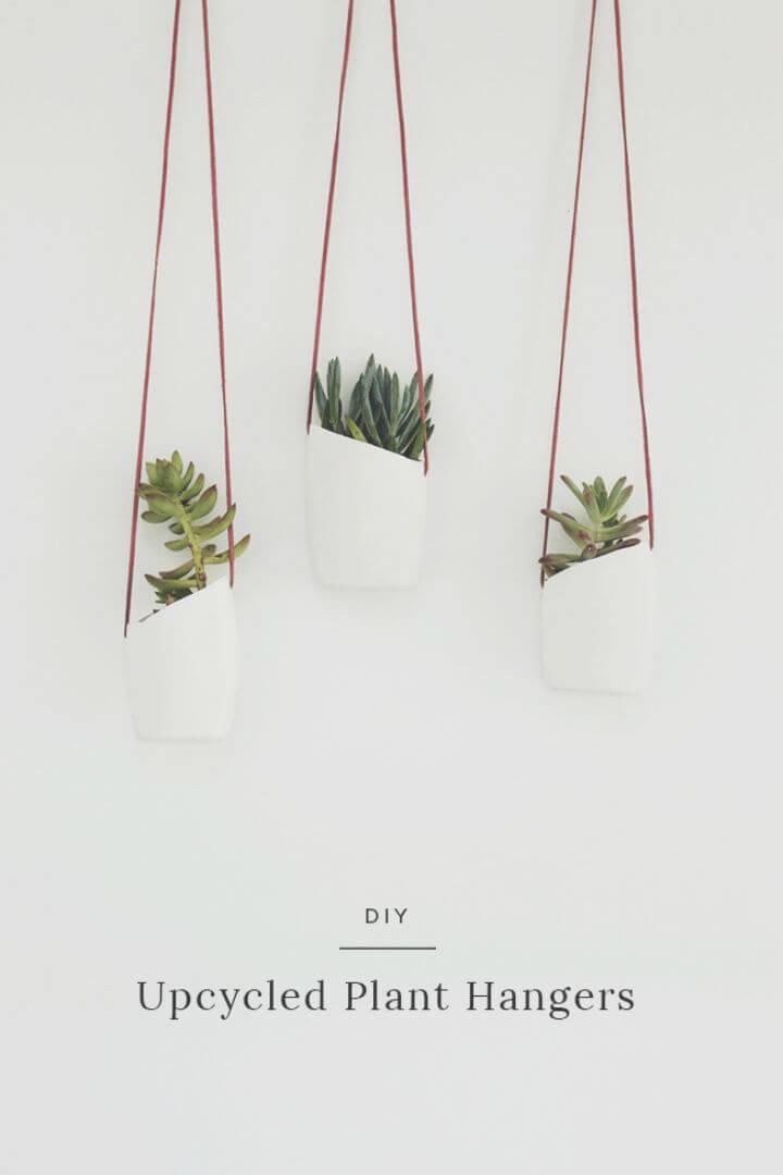 Colgadores de plantas reciclados de bricolaje