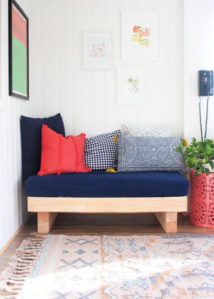 Sofá cama con colchón para cuna