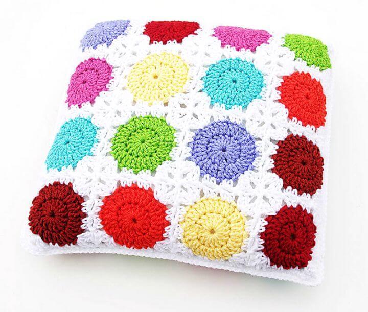 Cómo liberar un círculo de ganchillo en un patrón de almohada con motivo cuadrado