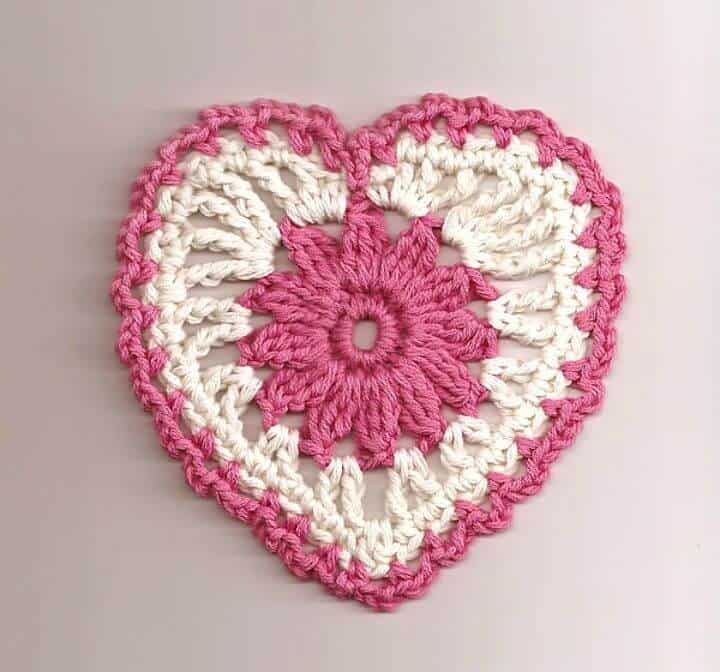 Simple Crochet Floral Heart Motif - Free Valentine Pattern