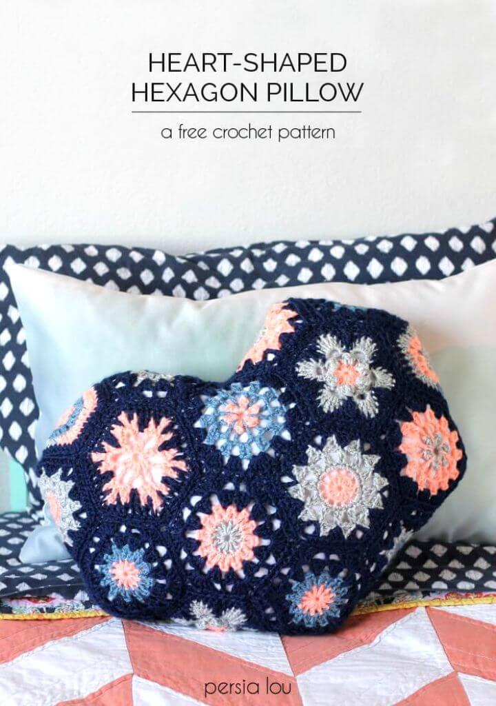 Patrón de almohada hexagonal en forma de corazón de ganchillo fácil y gratis