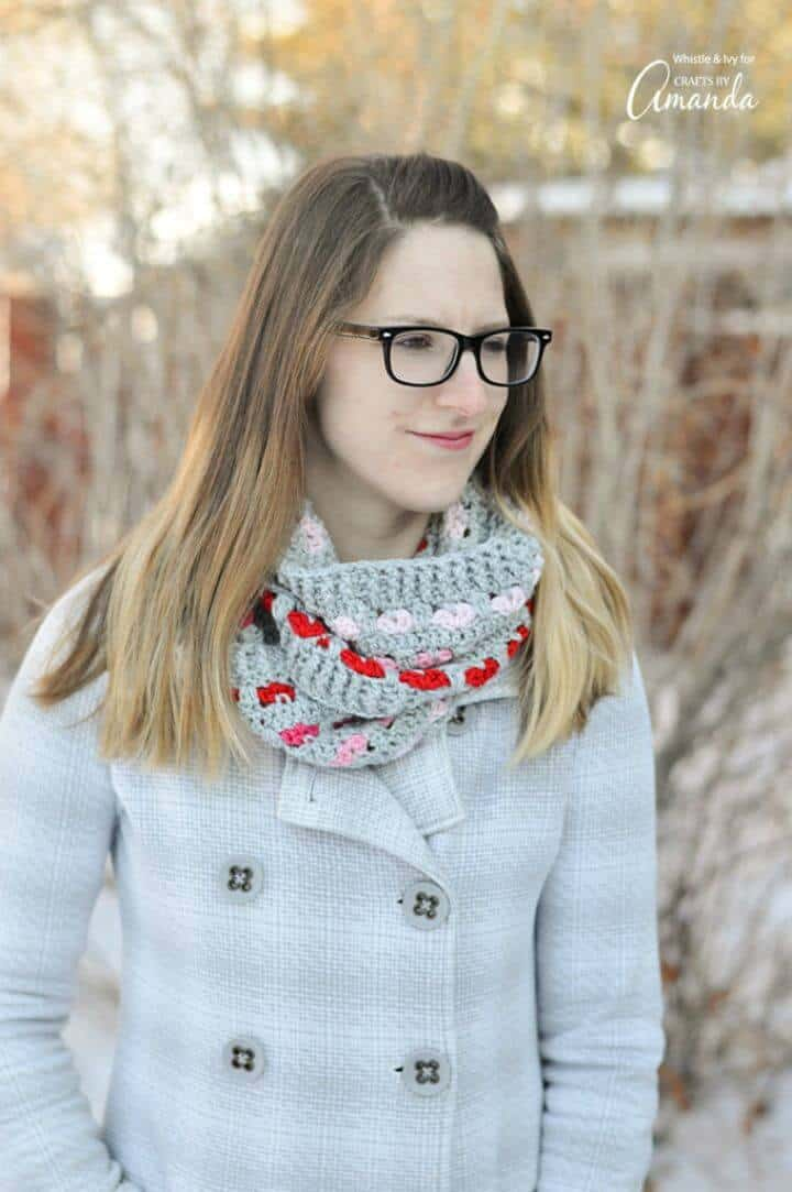 Crochet Infinity Scarf - Free Valentine Day Pattern