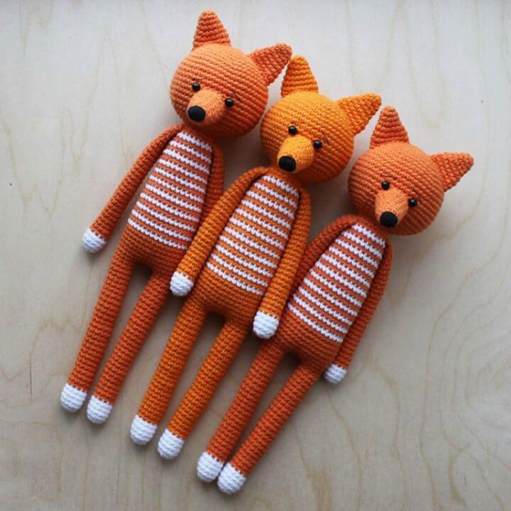 Patrón sin juguetes amigurumi de zorro de patas largas de ganchillo