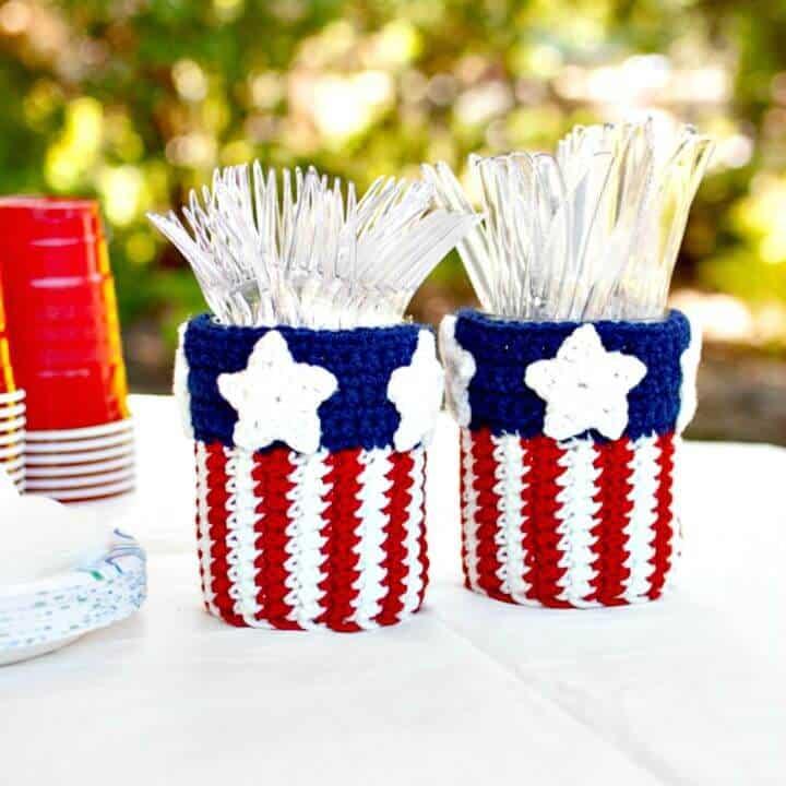 Cómo tejer un patrón gratuito de porta utensilios de tarro de masón patriótico a ganchillo