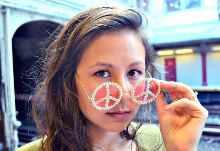 Lindas gafas de sol de paz con diamantes de imitación DIY