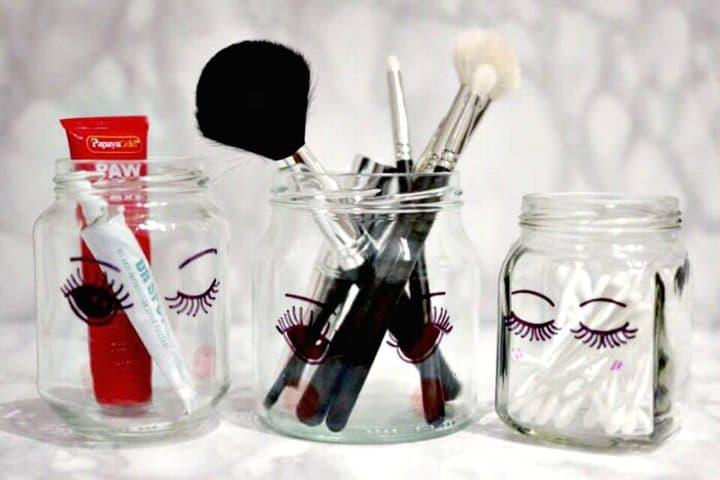 Lindos frascos de almacenamiento de maquillaje Sharpie DIY
