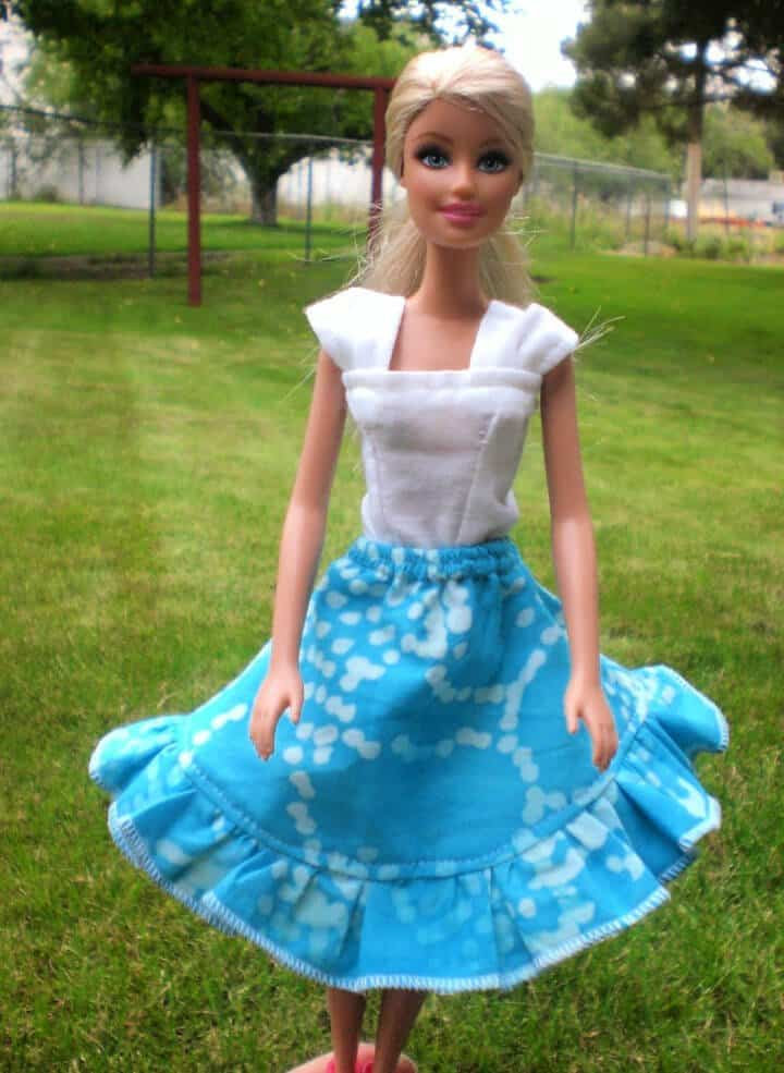 Falda circular inspirada en Barbies Cece de bricolaje