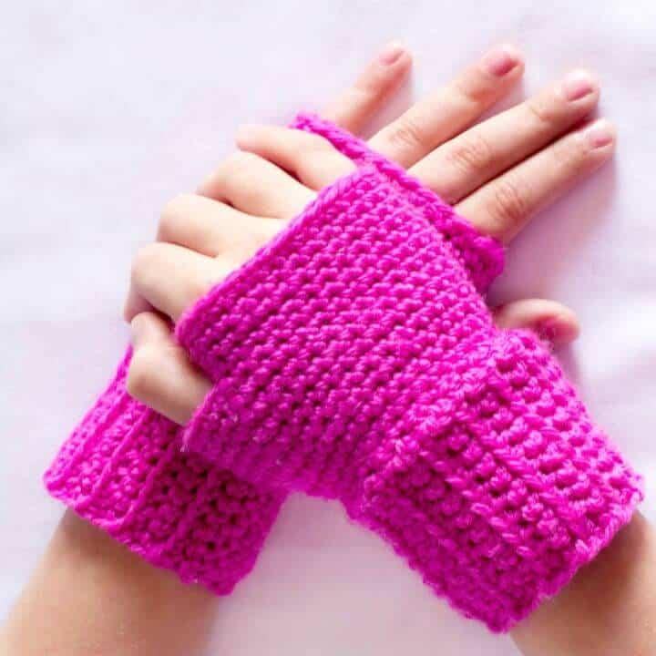 Patrón de guantes sin dedos básicos de ganchillo gratis
