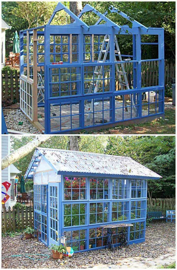 Bricolaje hermoso invernadero azul hecho de ventanas viejas