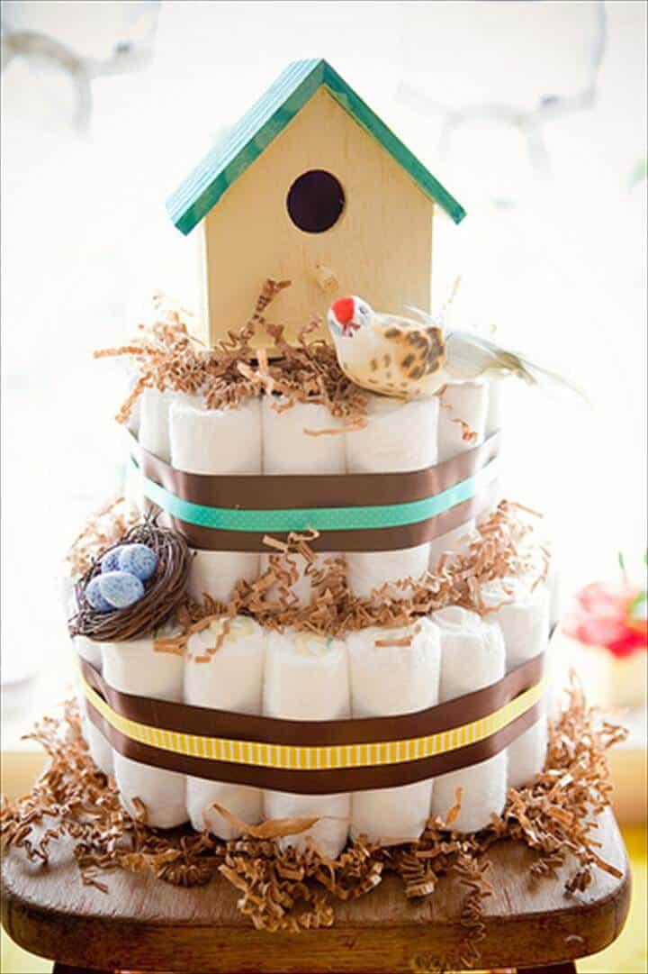 pastel de pañales con temática de pajarera