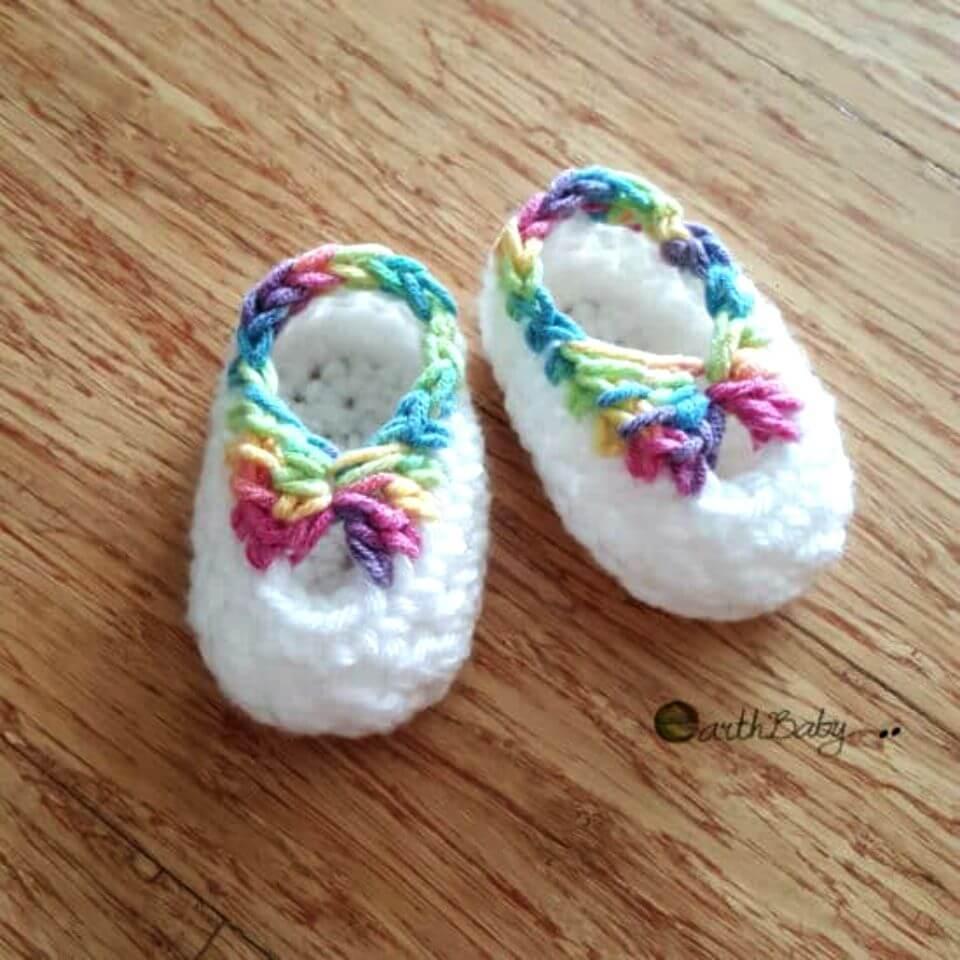 Patrón de botines de bebé de ganchillo gratis