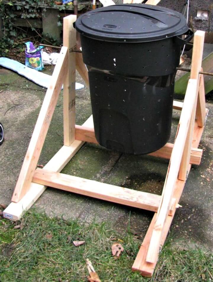 Compostador de bote de basura de tambor de bricolaje