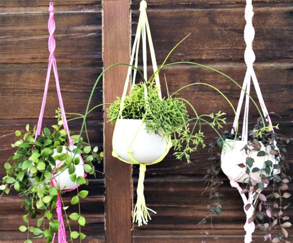 Fácil soporte para plantas de macramé de bricolaje - Tutorial gratuito