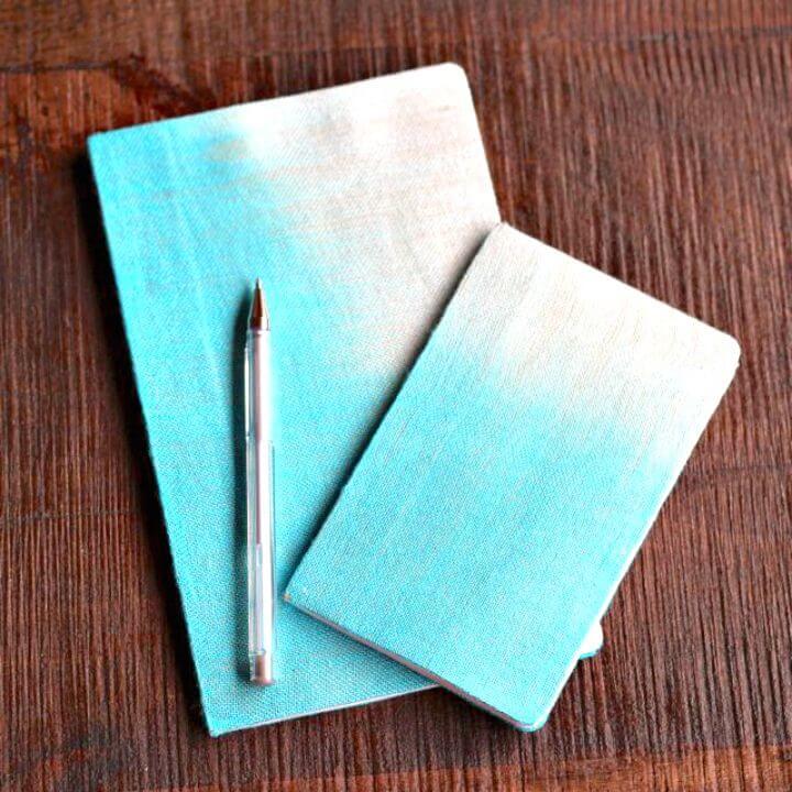 Cómo hacer un cuaderno cubierto de tela