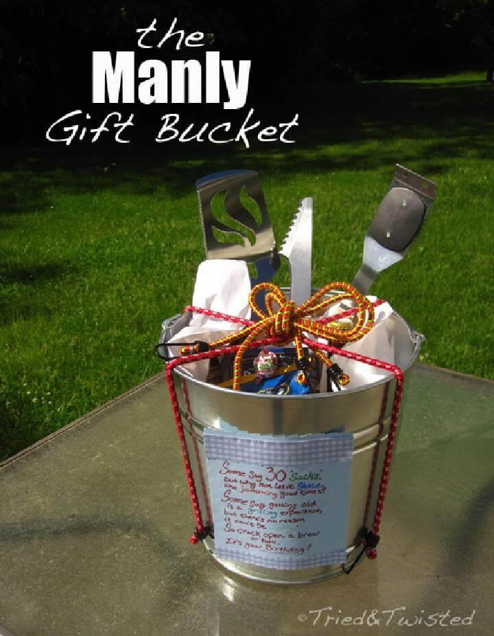 Cubo de regalo de bricolaje envuelto en cuerda elástica