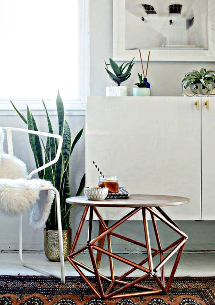 Mesa auxiliar de cobre geométrica fácil de bricolaje