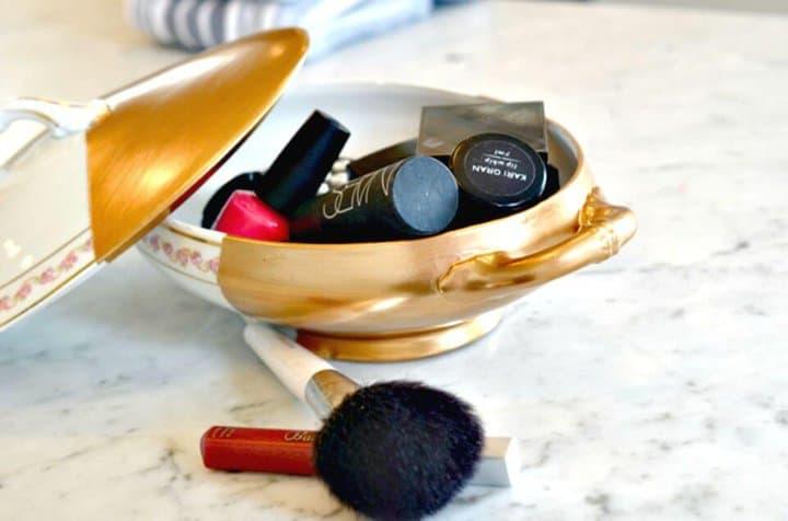 Organizador de maquillaje de plato de porcelana dorada fácil de bricolaje