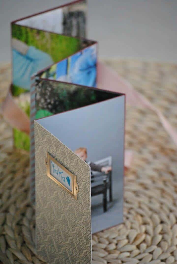 Álbum de fotos hecho en casa de bricolaje, los álbumes de fotos pueden ser costosos, por lo que puede considerar hacer sus álbumes de fotos como un profesional en casa, ¡como este!