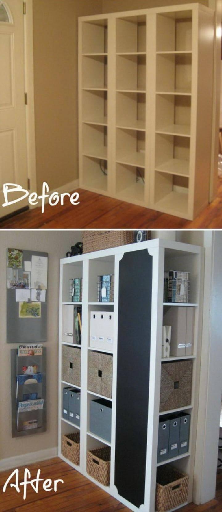 Centro de comando DIY IKEA Kallax con almacenamiento y pizarra