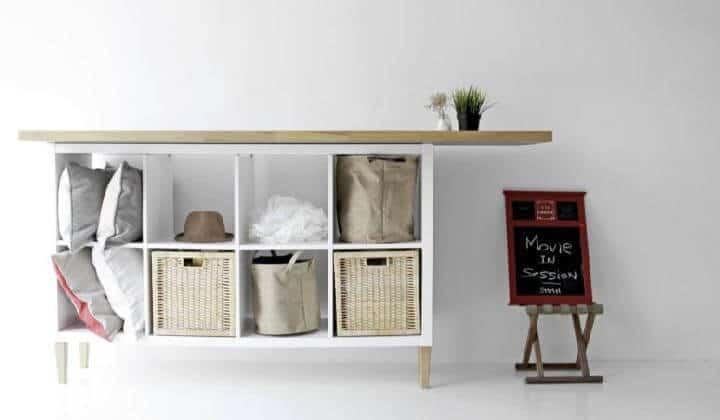 Aparador DIY Kallax con tablero de madera y patas IKEA