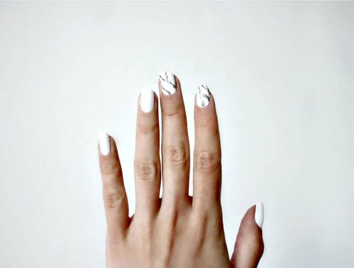 Fácil manicura de mármol DIY - Tutorial gratuito