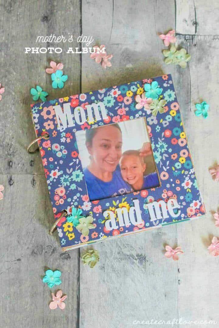 Álbum de fotos del Día de la Madre de bricolaje, por favor también a su mamá en el Día de la Madre haciendo aquí un álbum de fotos genial con sus propias manos, ¡aquí hay una gran inspiración para usted!