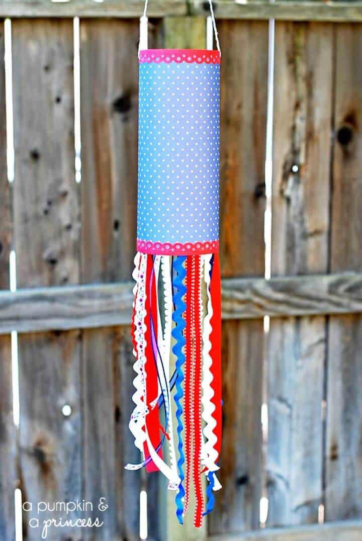 Manga de viento de papel patriótica fácil de bricolaje - Actividades de verano para niños