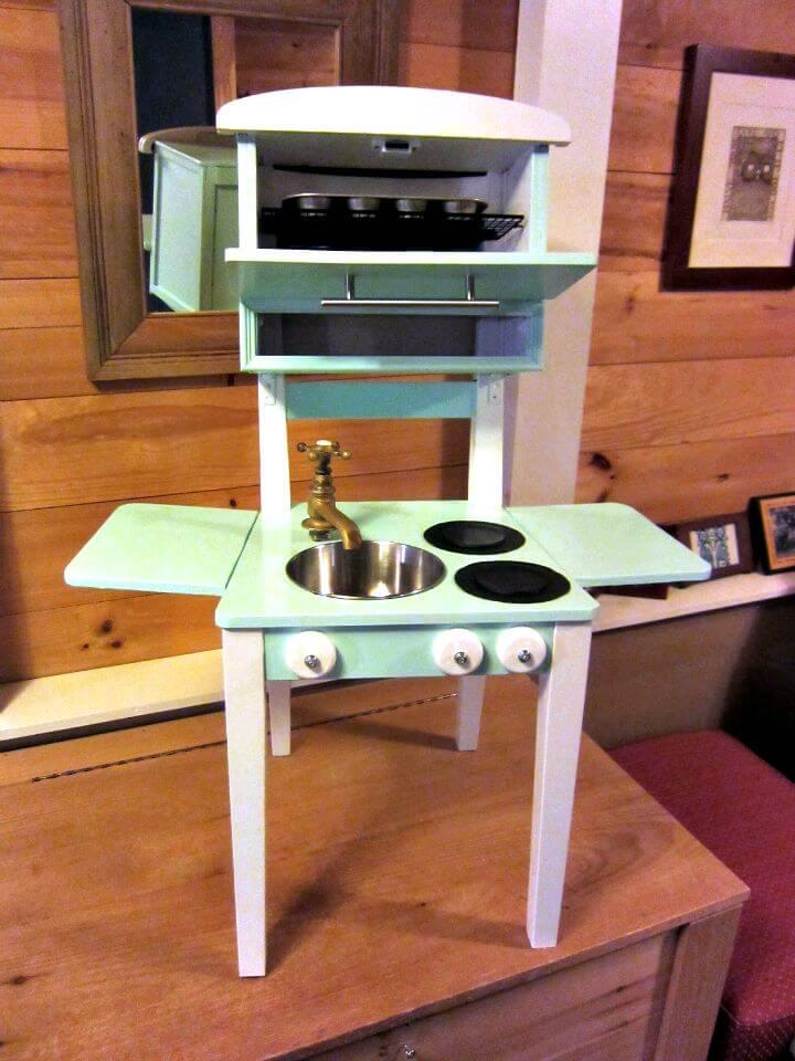 Cocina de juego de bricolaje súper fácil desde una silla