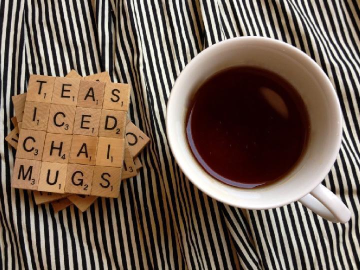 Regalo de posavasos de Scrabble DIY