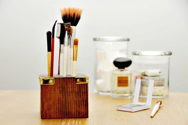 Cómo hacer bricolaje porta brochas de maquillaje de madera de desecho