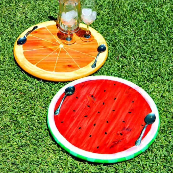 Bandejas de frutas de verano coloridas de bricolaje