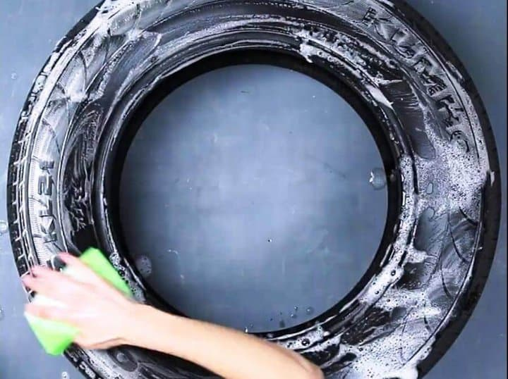 limpiar el neumático