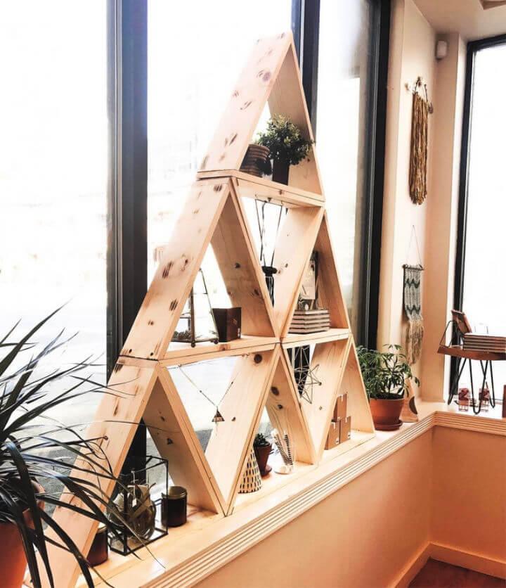 Estante de exhibición triangular de bricolaje
