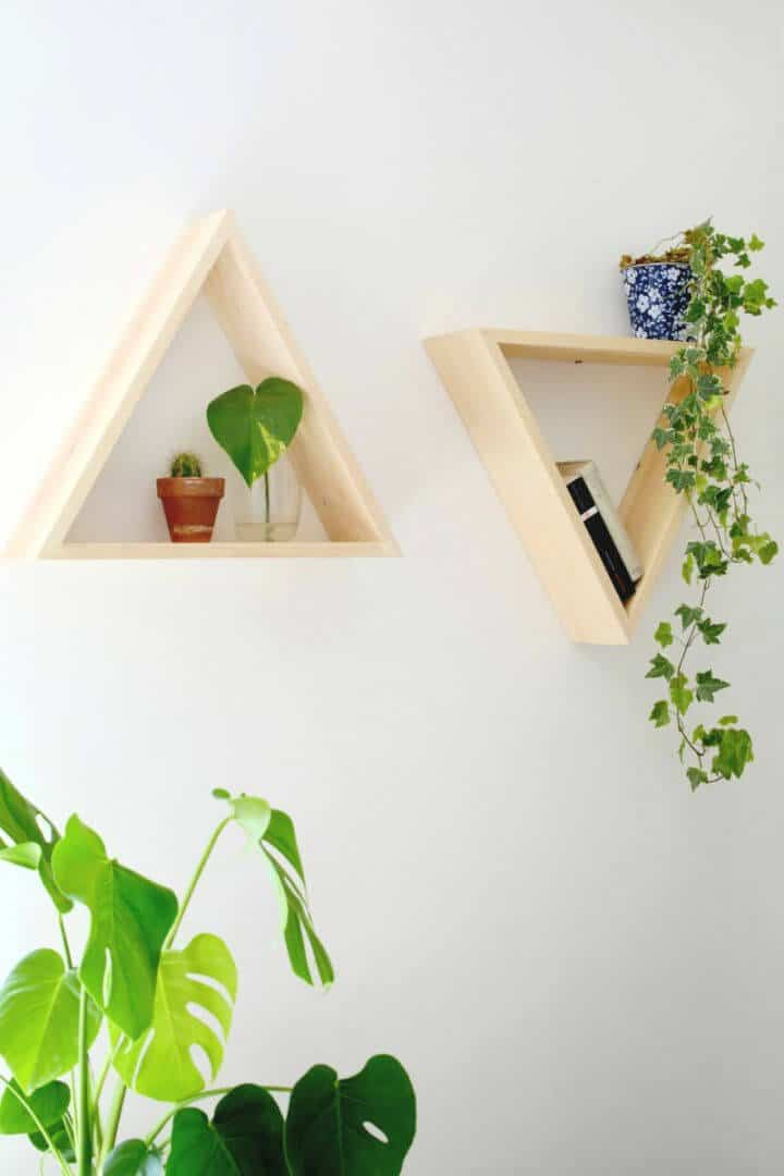 Estantes triangulares de bricolaje para decoración de paredes