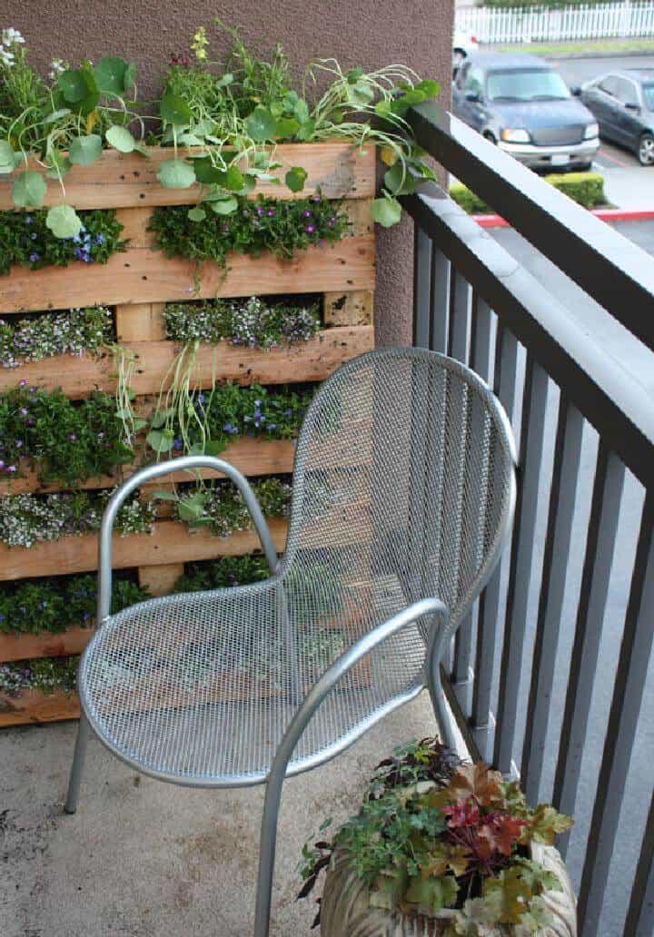 Jardinera Vertical de Palet Reciclado