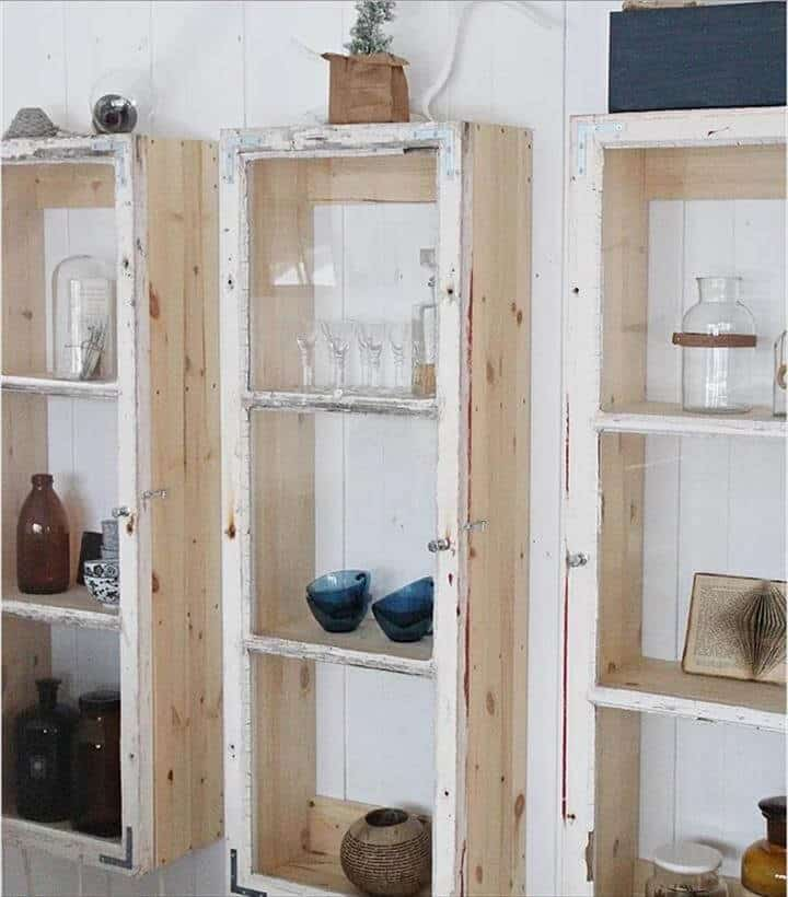 Estantes de gabinetes de ventana reutilizados