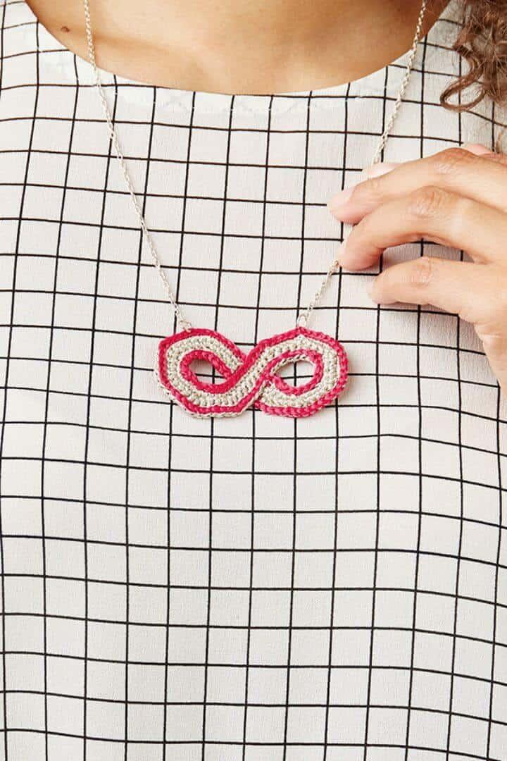 Patrón de ganchillo de joyería de símbolo de infinito