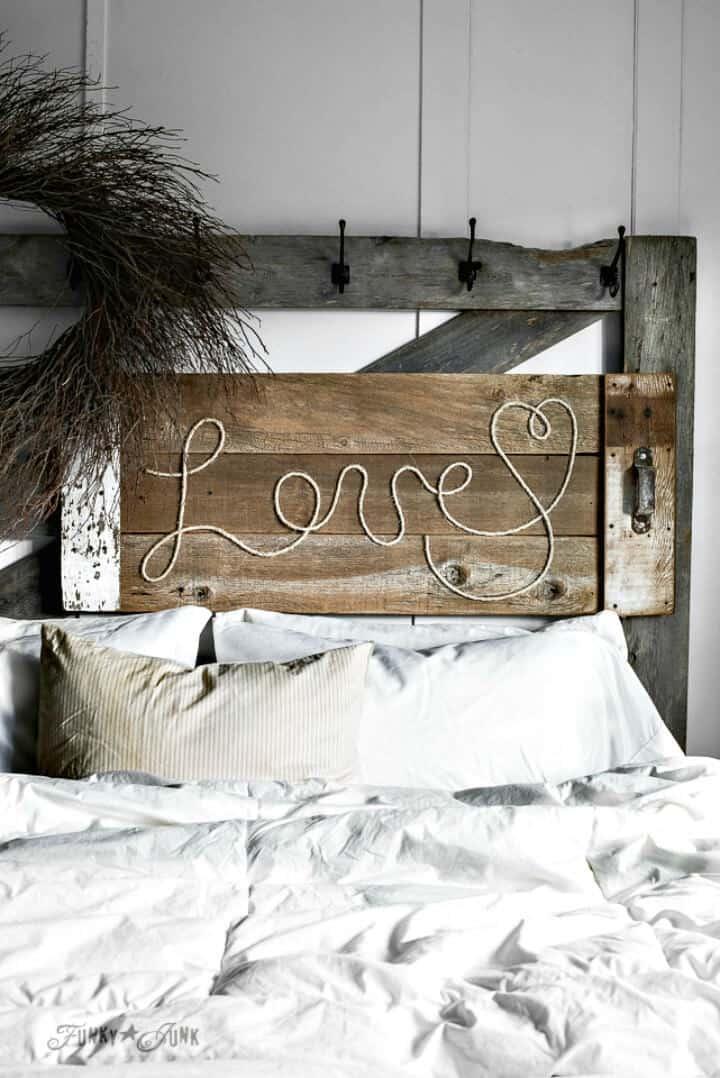 """Letrero de cuerda """"Love"""" de bricolaje de madera recuperada"""