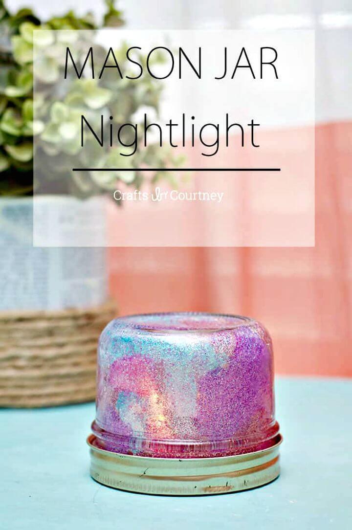 Bonita luz de noche de tarro de albañil de bricolaje
