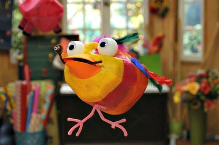Piñatas de jarra de leche reciclada de bricolaje para niños